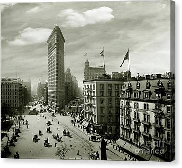 The Beautiful Flatiron Building Circa 1902 Canvas Print by Jon Neidert