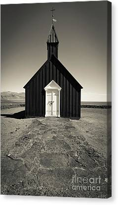 Canvas Print featuring the photograph The Black Church by Edward Fielding