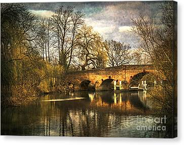 The Bridge At Sonning On Thames Canvas Print
