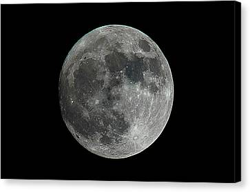The Brightest Supermoon In Nearly 70 Years, November 13, 2016 Canvas Print
