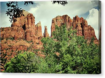 The Cathedral - Sedona Arizona - Red Rock Crossing - Color  Canvas Print