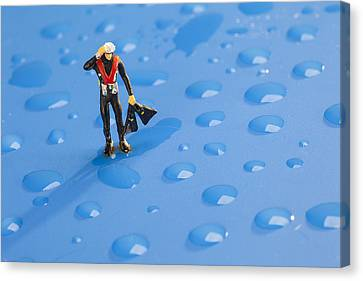 Canvas Print featuring the photograph The Diver Among Water Drops Little People Big World by Paul Ge