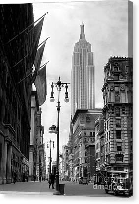 The Empire State Building Circa 1933 Canvas Print by Jon Neidert