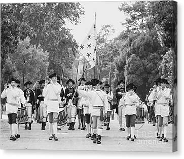 The Fifes And Drums In Colonial Williamsburg Canvas Print