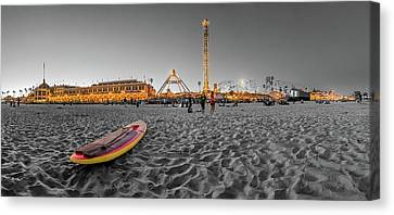 The Fun Is In The Middle - Santa Cruz Canvas Print by Scott Campbell