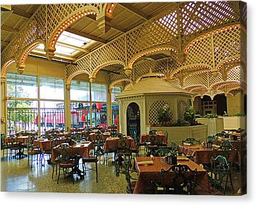 The Gardens Restaurant At Chattanooga Choo Choo Canvas Print by Marian Bell