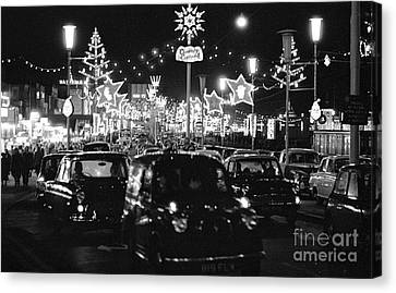 The Golden Mile In Blackpool England, 1966 Canvas Print by The Harrington Collection