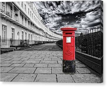 The Iconic Royal York Crescent In Clifton , Bristol , Uk Canvas Print by Alex Hardie
