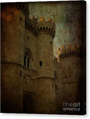 The King's Medieval Layer Canvas Print by Lee Dos Santos