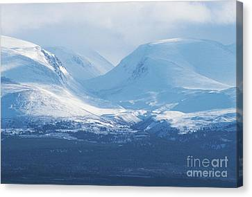 The Lairig Ghru - Cairngorm Mountains Canvas Print by Phil Banks