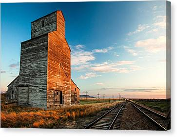 The Last Light At Laredo Canvas Print by Todd Klassy