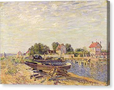 The Loing At Saint Mammes 1885 Canvas Print by Alfred Sisley