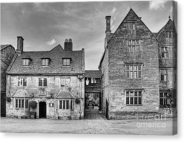 The Lygon Arms Broadway Worcestershire Uk Canvas Print