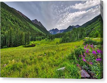 Canvas Print featuring the photograph The Maroon Bells - Maroon Lake - Colorado by Photography By Sai