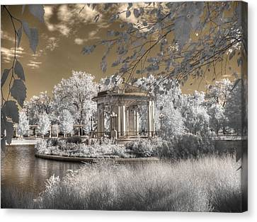 The Muny Canvas Print by Jane Linders