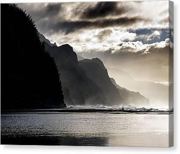 The Na Pali Coast On Kauai Hawaii Canvas Print by Brendan Reals