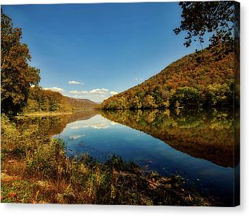 The New River In Autumn Canvas Print by L O C