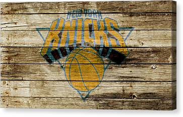 The New York Knicks W1 Canvas Print by Brian Reaves
