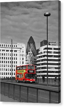 The No 43 To London Bridge Canvas Print by Hazy Apple