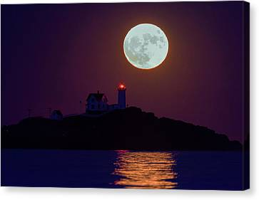 The Nubble And The Full Moon Canvas Print by Rick Berk