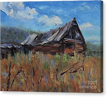 The Old Barn Canvas Print by Linda Mooney