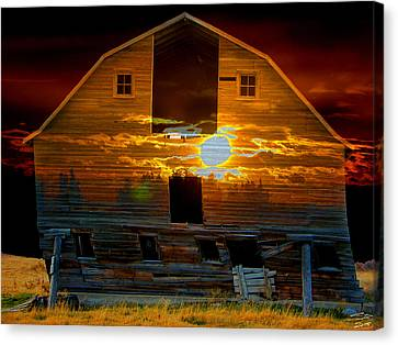 The Old Barn Canvas Print by Stuart Turnbull