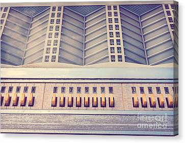The Old Jukebox Canvas Print