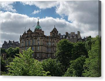 Canvas Print featuring the photograph The Old Town In Edinburgh by Jeremy Lavender Photography