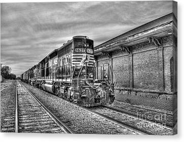 The Other Iron Horse Locomotive 1637 Norfolk Southern Canvas Print by Reid Callaway