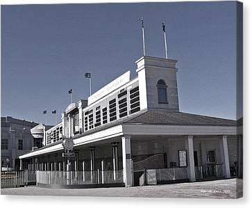 The Paddock At Churchill Downs In Black And White Canvas Print by Marian Bell