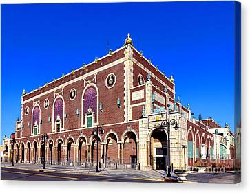 The Paramount Theater In Asbury Park Canvas Print by Olivier Le Queinec
