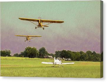 Canvas Print featuring the photograph The Pattern Is Full by James Barber
