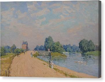 The Road To Hampton Court Canvas Print