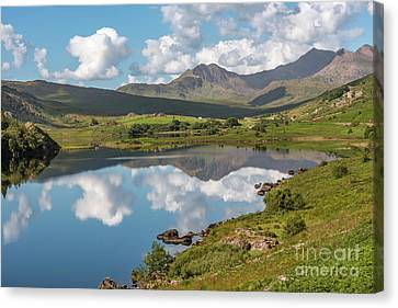 The Snowdon Horseshoe Canvas Print by Adrian Evans