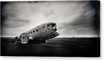 The Solheimsandur Plane Wreck Canvas Print by Tor-Ivar Naess