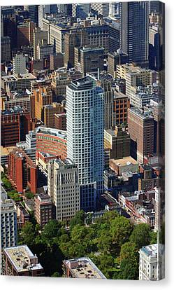 Canvas Print featuring the photograph The St. James 200 W Washington Sq Philadelphia Pa 19106 3513 by Duncan Pearson