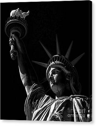 American Independance Canvas Print - The Statue Of Liberty - Bw by James Aiken
