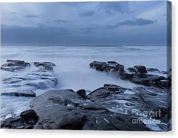 The Time To Stare At The Ocean Canvas Print by Masako Metz