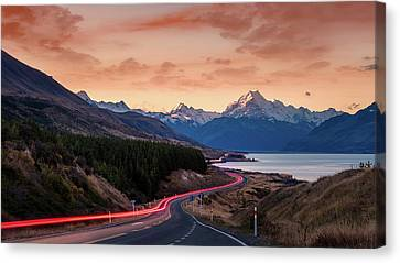 Aotearoa Canvas Print - The Tourist Trail by Kumar Annamalai