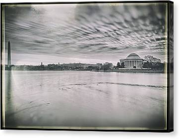 Canvas Print featuring the photograph The Trump State by Edward Kreis