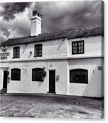 The Weavers Arms, Fillongley Canvas Print by John Edwards