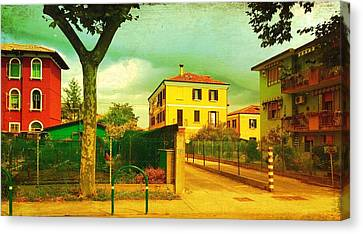 Canvas Print featuring the photograph The Yellow House by Anne Kotan