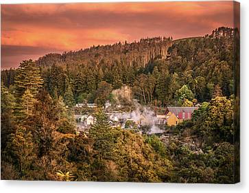 Thermal Village Rotorua Canvas Print