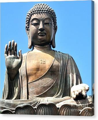 Tian Tan Buddha Canvas Print by Joe  Ng