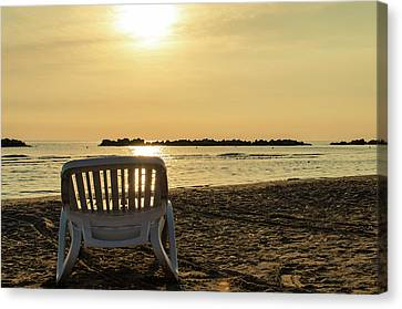 Time To Relax Canvas Print by Andrea Mazzocchetti