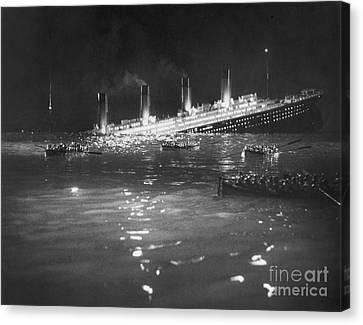 Titanic: Re-creation, 1912 Canvas Print by Granger