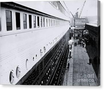 Titanic's First-class Gangway Canvas Print