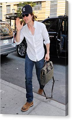 Tom Cruise Carrying A Filson Bag Canvas Print by Everett