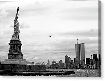 Tourists Visiting The Statue Of Liberty Canvas Print by Sami Sarkis