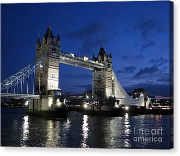 Tower Bridge Canvas Print by Amanda Barcon